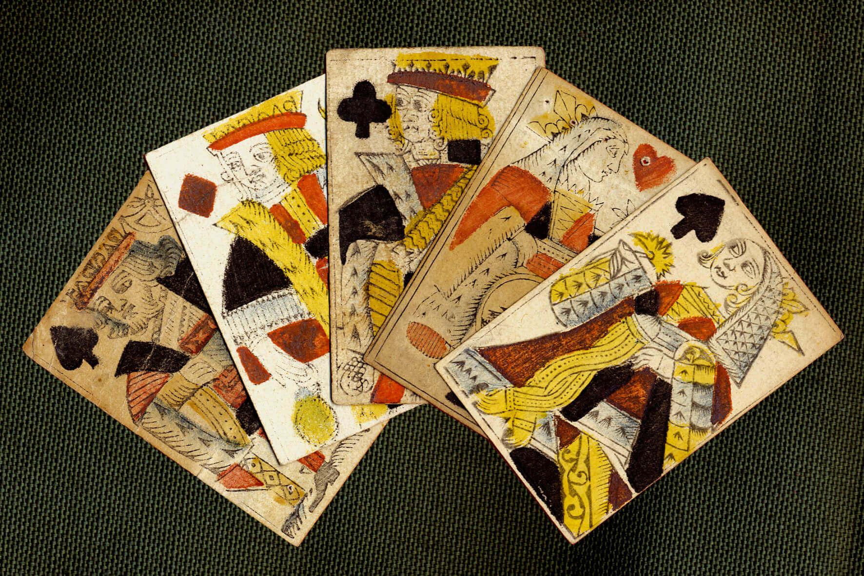 Evolution des jeux de cartes dans le temps